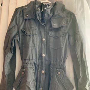 Drawstring waist cargo jacket